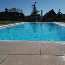 Prelivové bazény s prepadovým žľabom